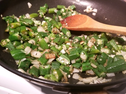 Cooking okra and onion